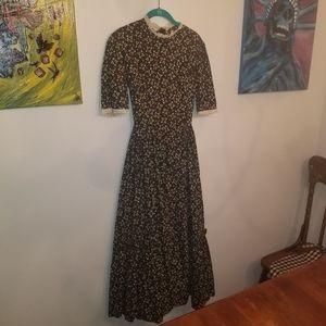 Amish prairie dress